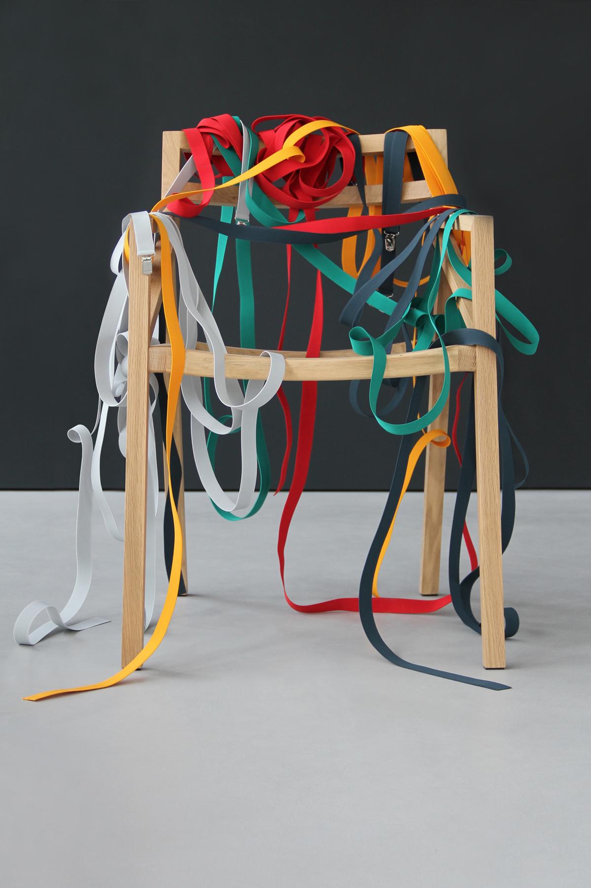 Para os cintos não escorregarem dê uns pontos com fios de nylon  #AE6C1D 1199x1800